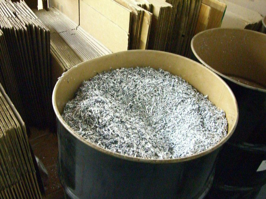 Aluminum chips from CNC milling, to be recycled